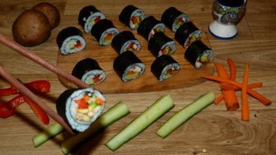 Sushi mit Gemüsefüllung
